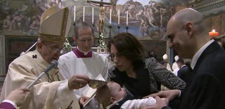 El bautismo nos hace miembros de la Iglesia gracias a la fe que nos es transmitida de generación engeneración