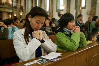 Las comunidades católicas Chinas rezan por los cristianos perseguidos en Oriente Medio y en todo elmundo