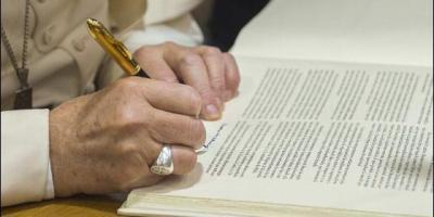 """Con los Motu Proprio """"Mitis Iudex Dominus Iesus"""" y """"Mitis et misericors Iesus"""" el Papa reforma el proceso canónico para la nulidad delmatrimonio"""
