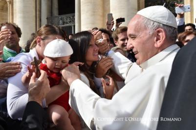 Catequesis del Papa: Ignorar al pobre es despreciar aDios