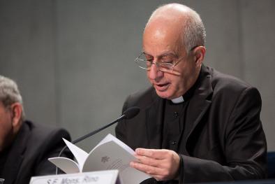 """Conferencia de prensa al concluir el Jubileo Extraordinario de la Misericordia y presentación de la Carta Apostólica """"Misericordia etmisera"""""""