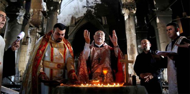 Primera misa en la catedral de Qaraqosh, devastada por el «EstadoIslámico»