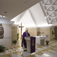Homilía del Papa Francisco en Santa Marta 04.12.18: tiempo de pacificar el alma, la familia y el mundo