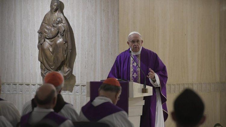 Homilía del Papa Francisco en Santa Marta: Mantener y defender lafe