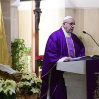 Homilía del Papa Francisco en Santa Marta 18.12.2018: San José, hombre de sueños con los pies en la tierra