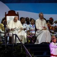 """Palabras del Papa Francisco en el Via Crucis: """"Padre, como María queremos aprender a estar"""""""