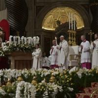 Homilía del Papa Francisco en Vigilia Pascual en la Noche Santa de Pascua