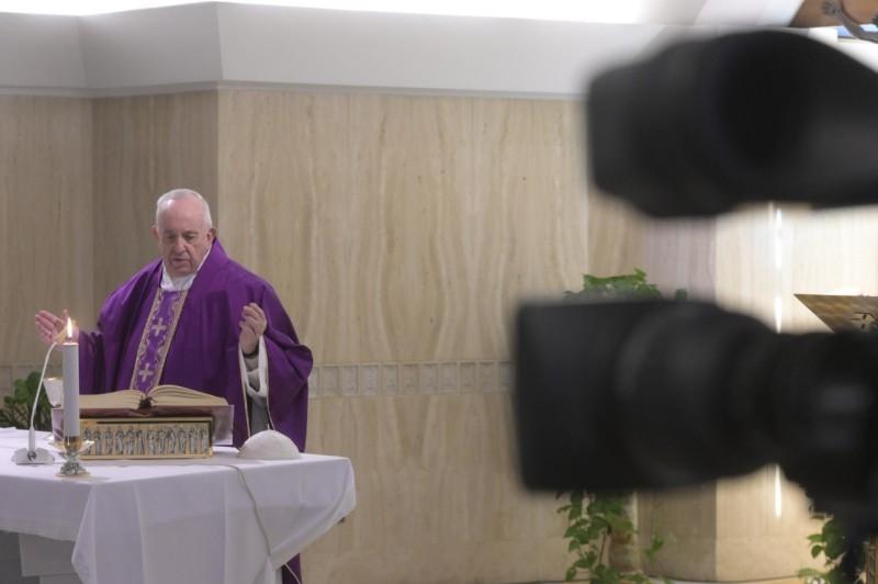 Homilía del Papa Francisco Domingo III de Cuaresma: Rezar siempre con laverdad