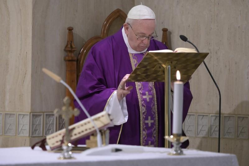 Homilía del Papa Francisco: Rezar con fe, perseverancia yvalentía