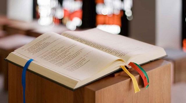 10 propuestas del cardenal Sarah para mejorar la proclamación de las lecturas y el Evangelio enmisa
