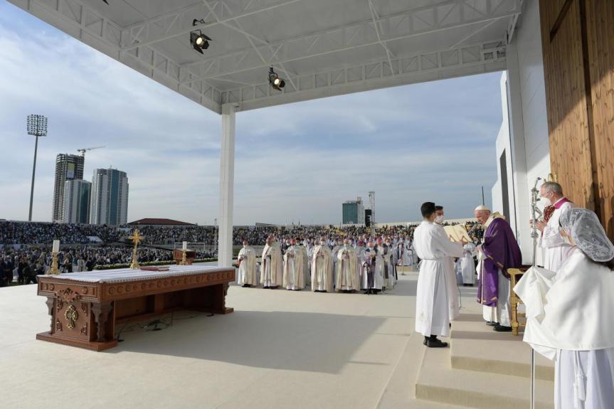 Santa Misa presidida por el Papa Francisco en el Estadio Franso Hariri deErbil