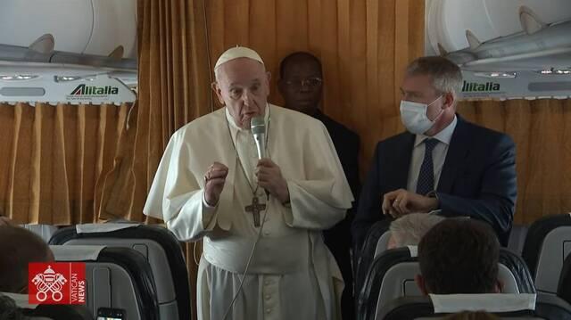 Rueda de prensa del Papa Francisco en el vuelo de regreso del Viaje Apostólico a Budapest yEslovaquia.