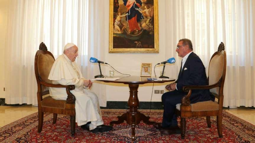Entrevista de Carlos Herrera al PapaFrancisco